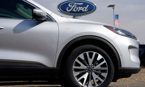 Automaker Ford is pushing the digitization of its product offerings.